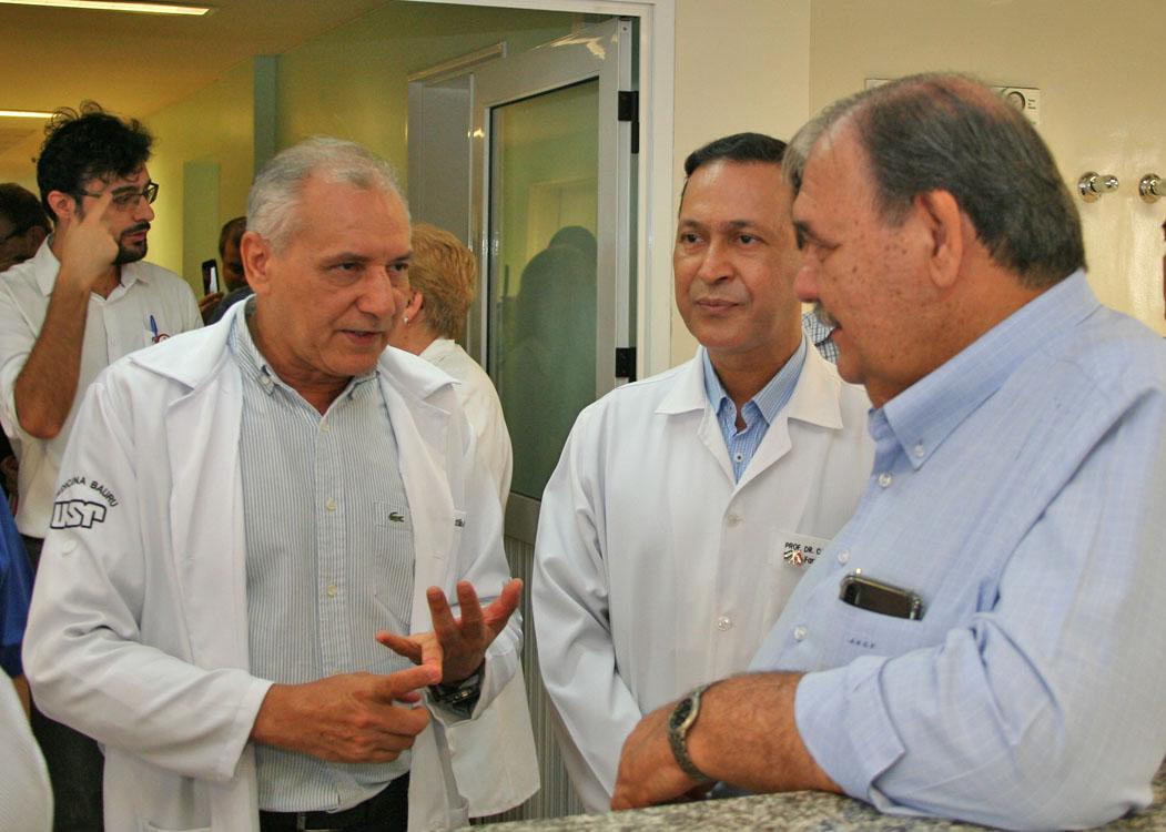 Secretário de Estado da Saúde visita Centrinho-USP e futuro Hospital das Clínicas