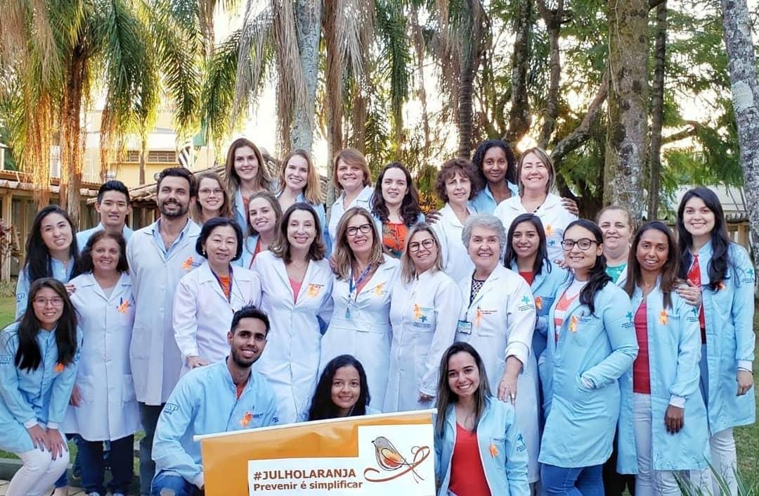 Saúde bucal: Campanha Julho Laranja aborda importância dos cuidados ortodônticos