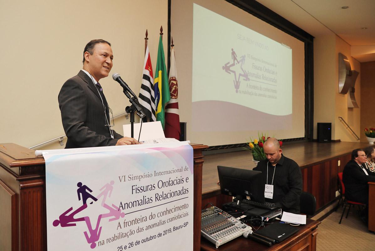 Simpósio internacional discute fissuras orofaciais e pós-graduação