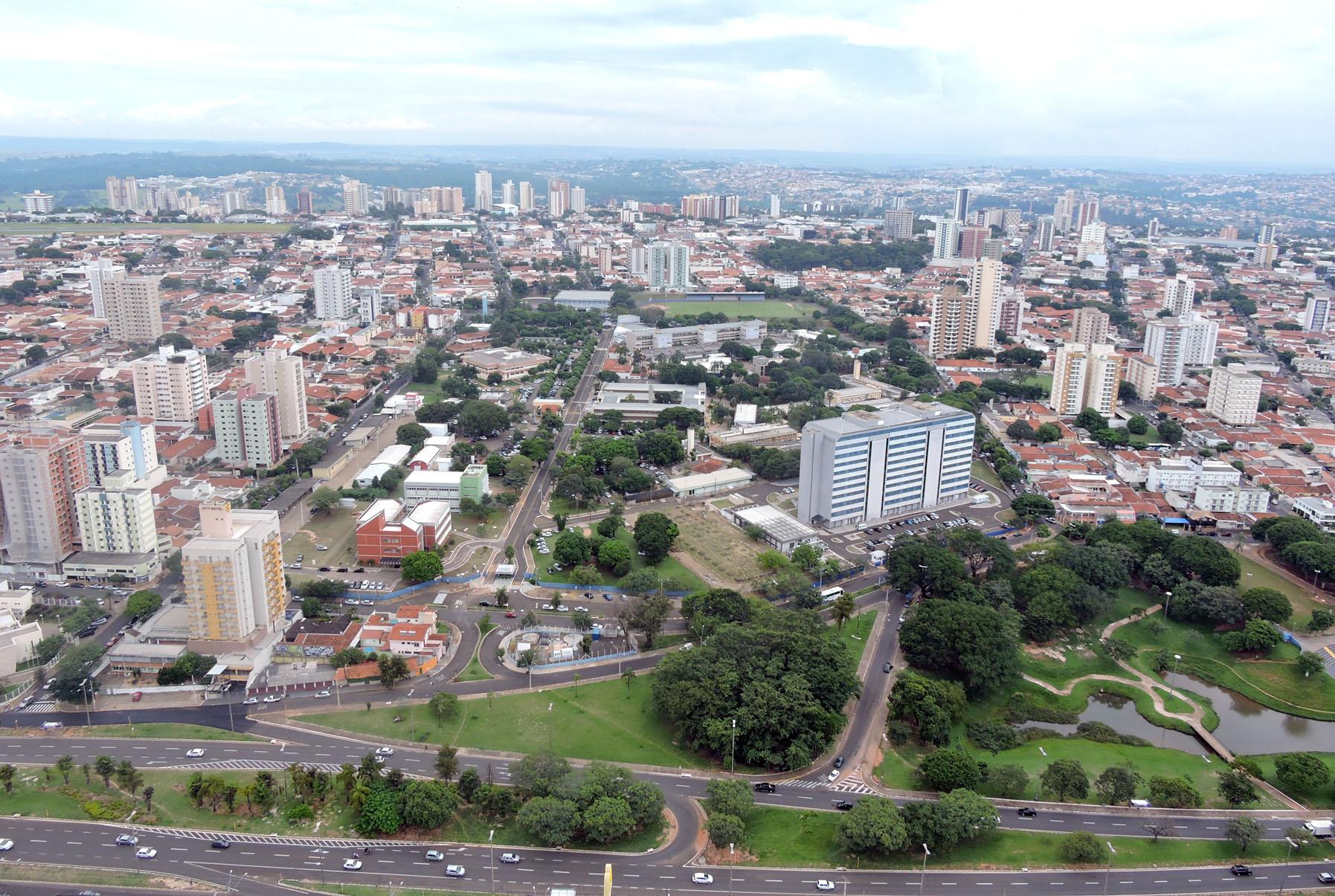 (Português do Brasil) Relação de profissionais vacinados em 02/02/2021