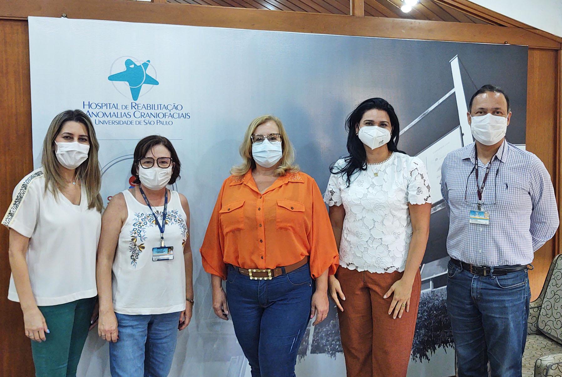 HRAC-USP recebe gestoras de serviço de fissura do Ceará para treinamento